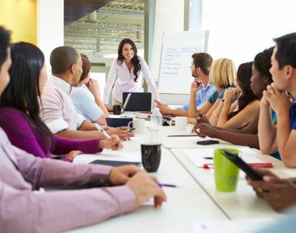 Weekly meeting in companies Think Room
